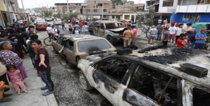 Se eleva a 13 las victimas por explosión de gas en Lima, entre ellos un venezolano