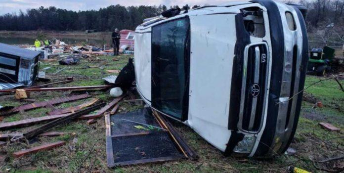 Al menos nueve muertos por graves tormentas en el sur de EEUU