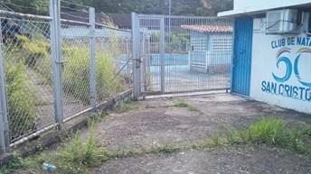 Se debe actuar, en la recuperación del complejo de piscinas. (Foto/Armando Hernández)