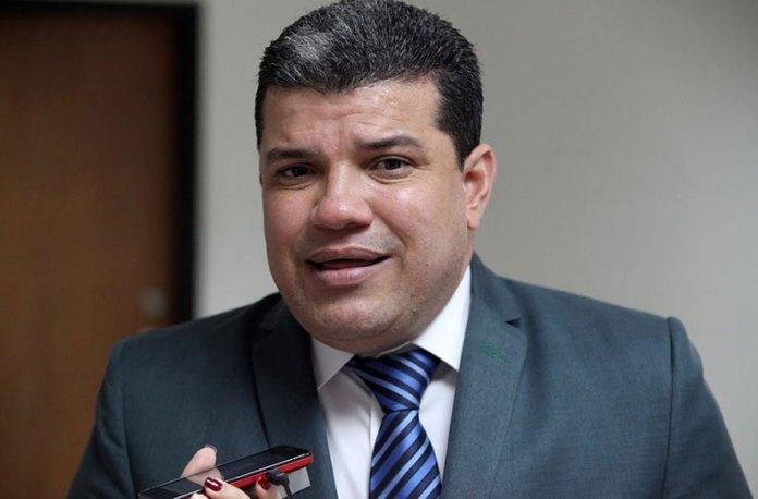 Luis Parra: