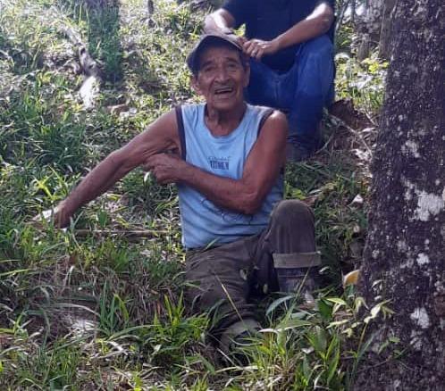 Con signos de deshidratación rescatan a octogenario en montaña de Santo Domingo