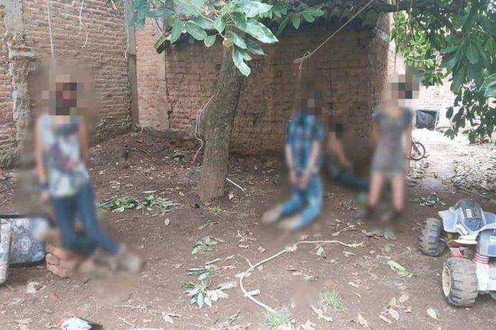 México: Sicarios entran a casa y ahorcan a familia completa