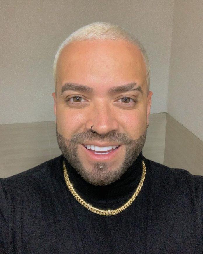 Nacho cambió de look