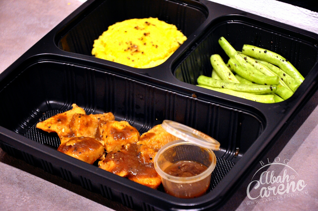 Healthy 01 - Mashed Japanese Sweet Potato Grilled Chicken With Black Pepper Sauce & Green Beans