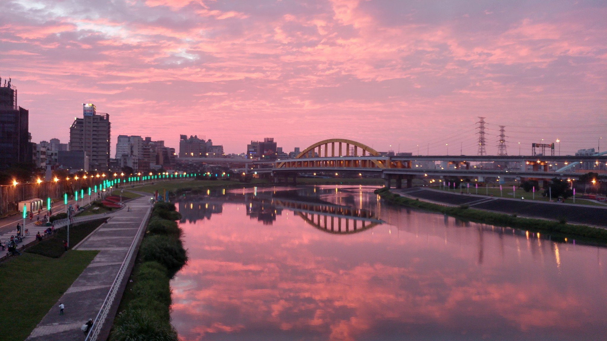 彩虹橋的夕照