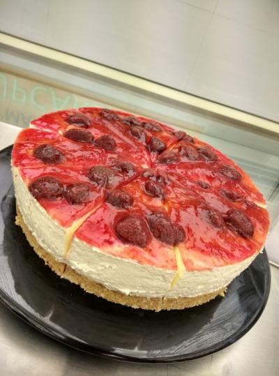 Strawberry Cheesecake in Mumbai