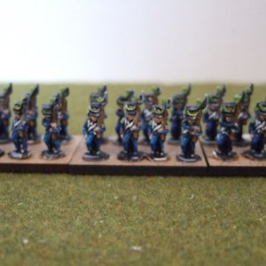 French Legere inf marching 30 figures