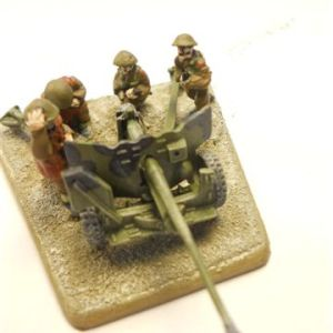 Late war British 6pdr plus crew