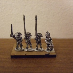 British 4 command figures drum/off/2 standard
