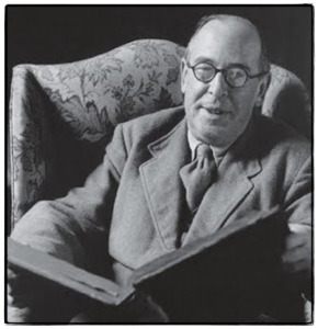 cs-lewis-with-large-book-wb