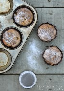 Rhubarb and Maple Syrup Crumble Muffins