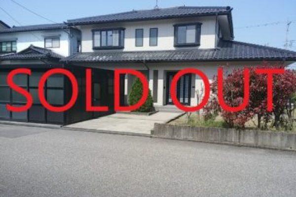 高岡市向野町リフォーム済み中古住宅、本日無事お引き渡し完了致しました。