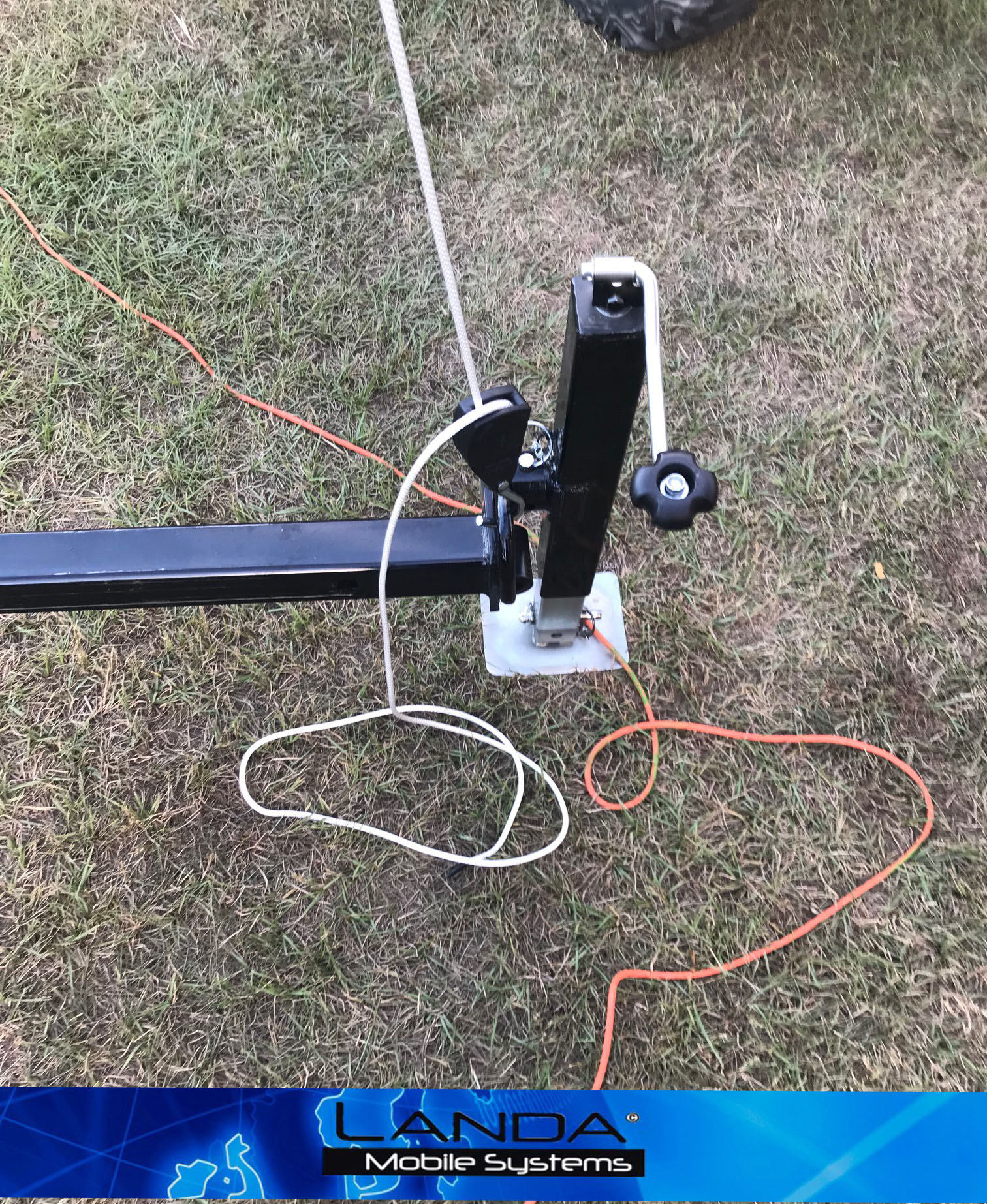 LMS 60 WIFI FEET?ssl=1 lms 60 crank up mast landa mobile systems llc  at bakdesigns.co
