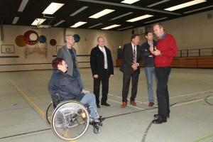 Landrat Arnold gibt Sporthalle am Gymnasium Nidda frei