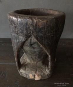 Authentieke oud houten vijzel uit India