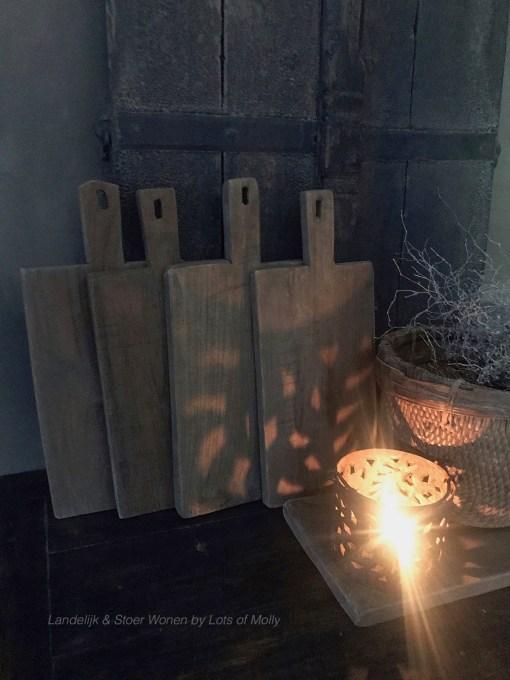 Choppingboard gemaakt van oud hout, Aura Peeperkorn
