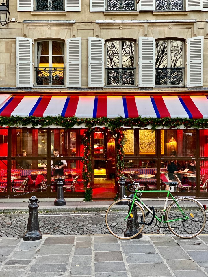 Christmas in Paris: 10 Things to See and Do