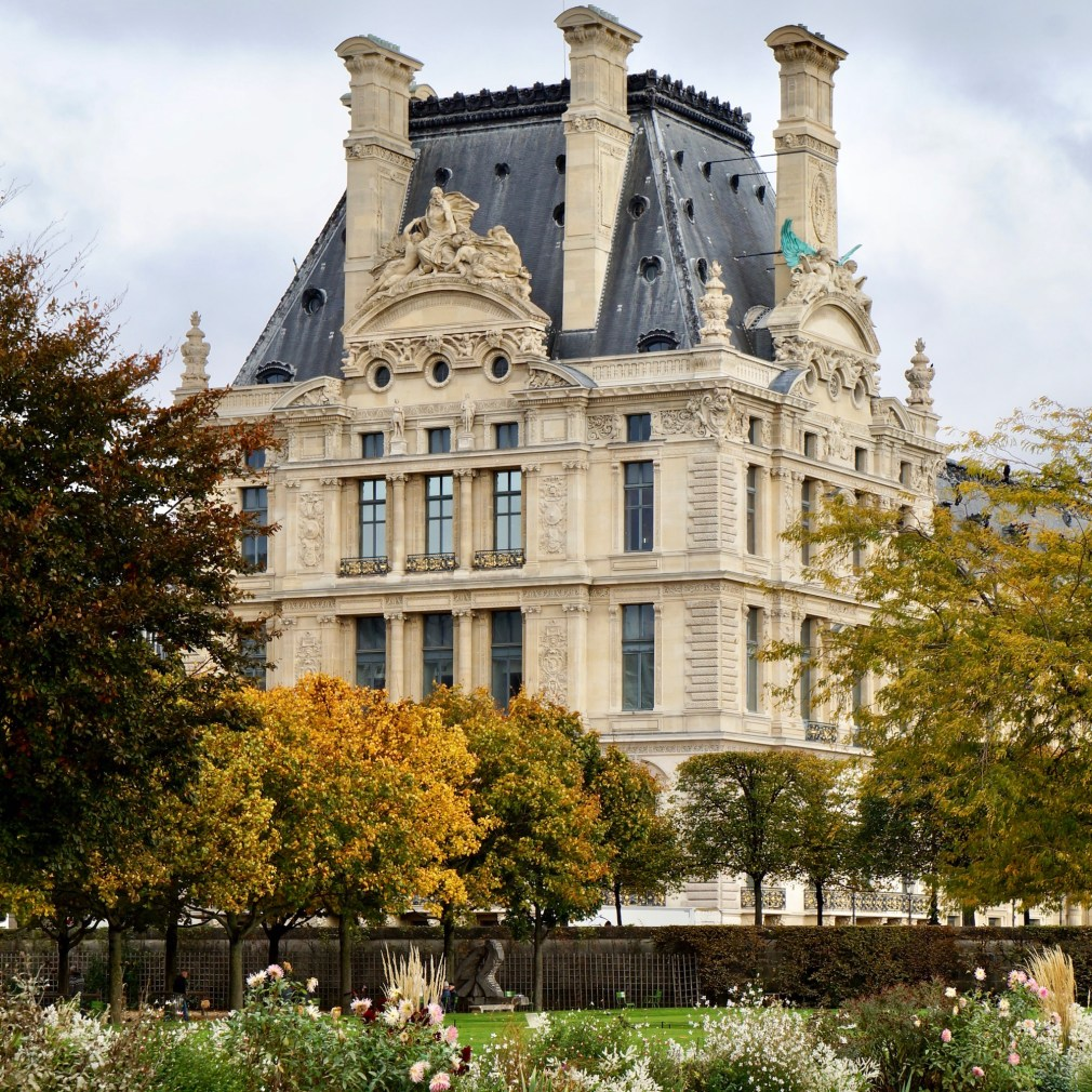 The Louvre from the Tuileries during Fall. Fall is a great season to visit Paris. If you need help with bespoke travel planning, don't hesitate to contact me.