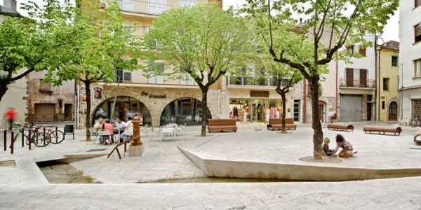 public spaces in banyoles mias