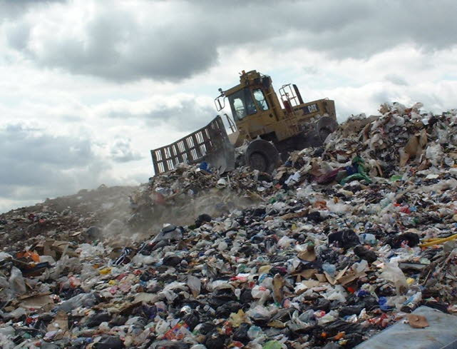 db_compactor-on-brow-of-waste26