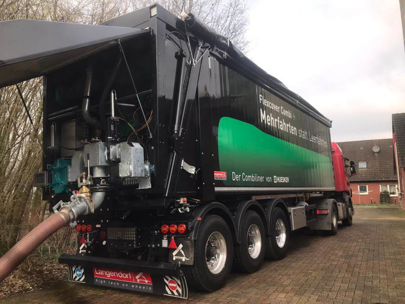 Börger FL1036 Pumps: This pump is an important feature in Huesker's new FCC+ Tipper Trailer.