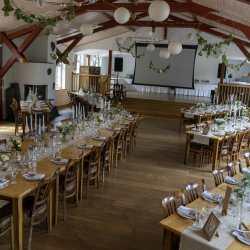 Raumdeko Hochzeitsdeko Tischdekoration Festsaal