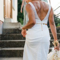 Brautkleid Spitze Rückenausschnitt Brautstrauß Boho Vintage Fine Art
