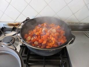 Bunte Süßkartoffeln mit Rindsrouladen