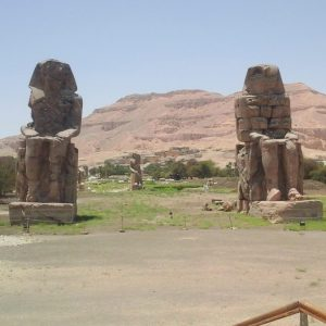 Photo of the colossi of Memnon in West Luxor: photo from an air excursion from Sharm El-Sheikh