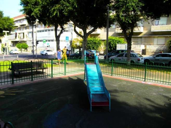 Playground on Rothschild Boulevard, Tel Aviv