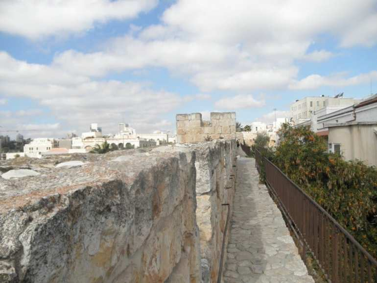 Jerusalem activities Ramparts Walk