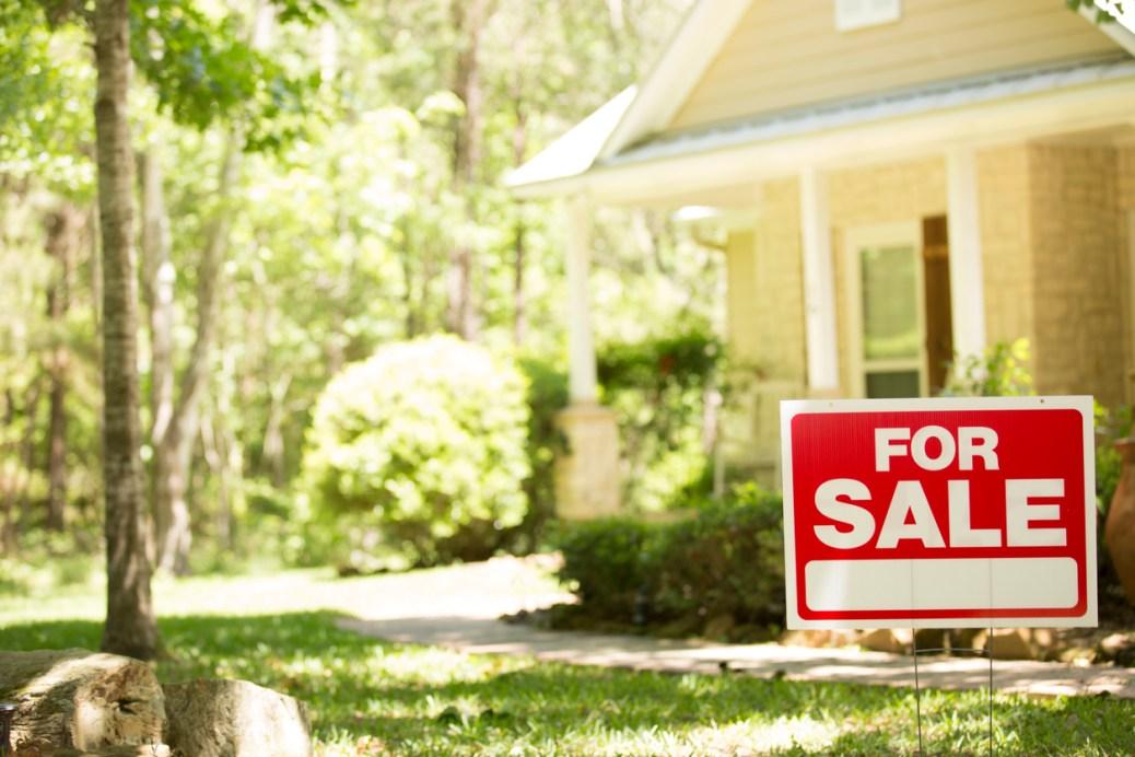 rental property listing on Craigslist