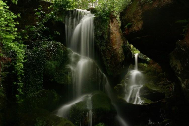 mm-waterfall