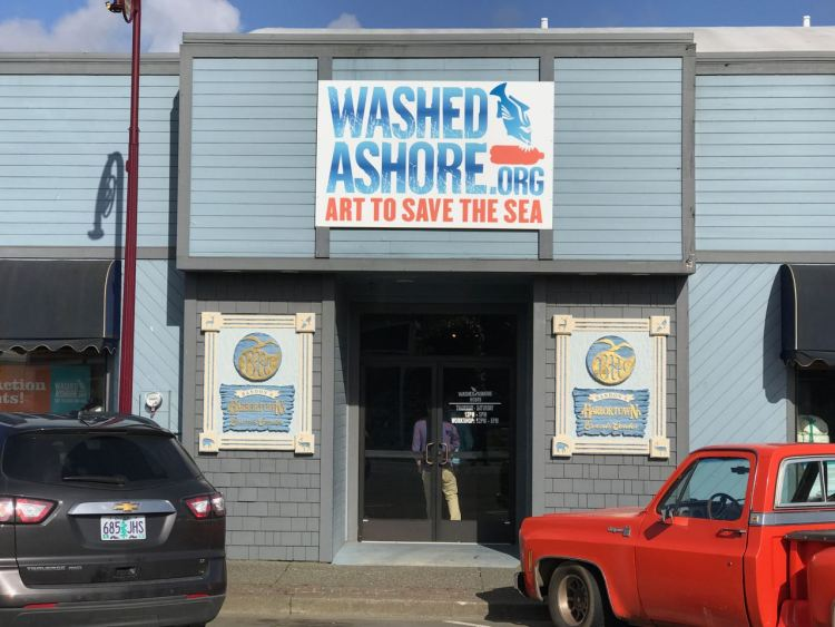 Entrance to the Washed Ashore Project gallery in Bandon, Oregon