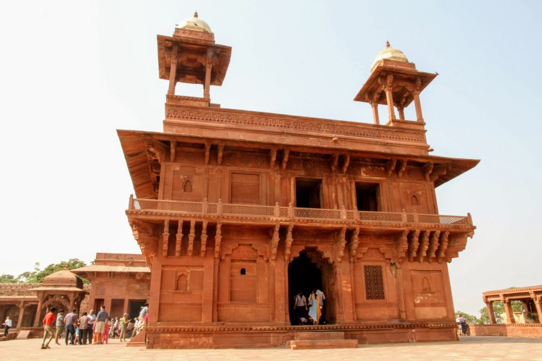 Diwan-i-Khas, Hall of private Audience of the Emperor Akbar, Fatehpur Sikri