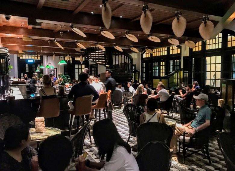 Long Bar, Raffles Singapore