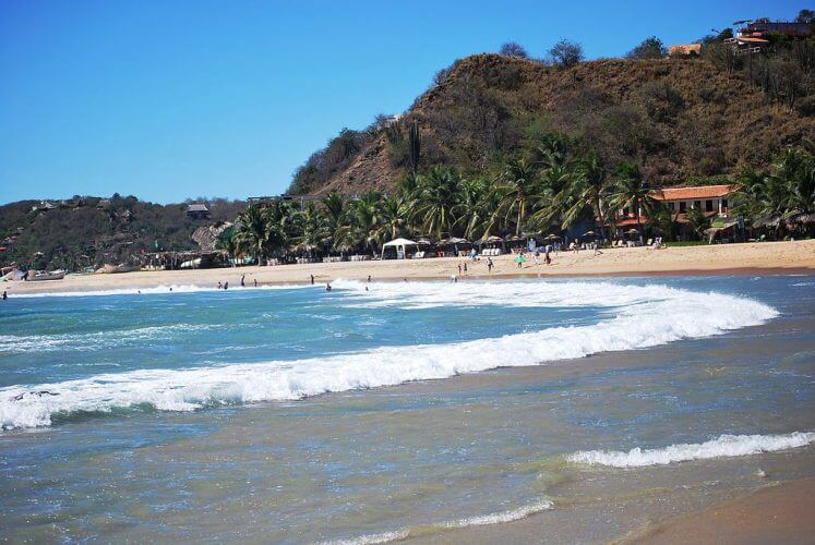 An image of the Playa Rinconcito section of San Agustinillo beach