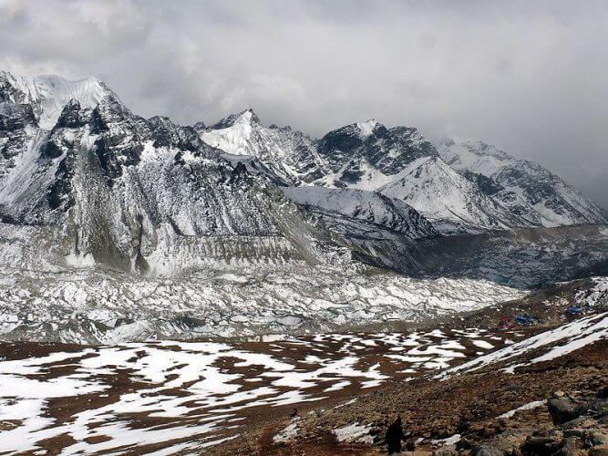 A picture of Gorak Shep taken from Kala Patther
