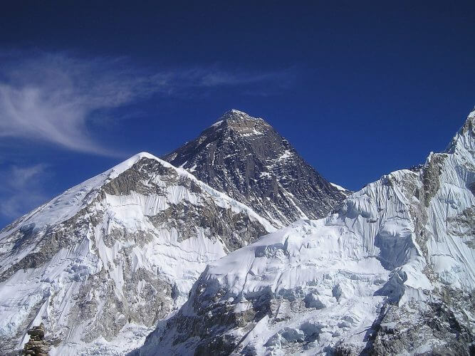 A picture of mount everest in summer