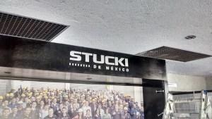 Exhibidor letrero Stucki