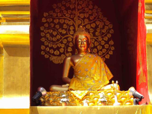 Buddha mit Blick ins Nirvana
