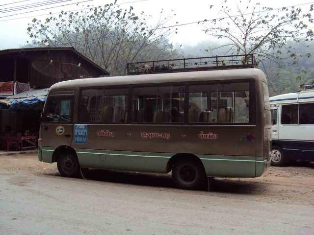 Bus nach Oudomxai