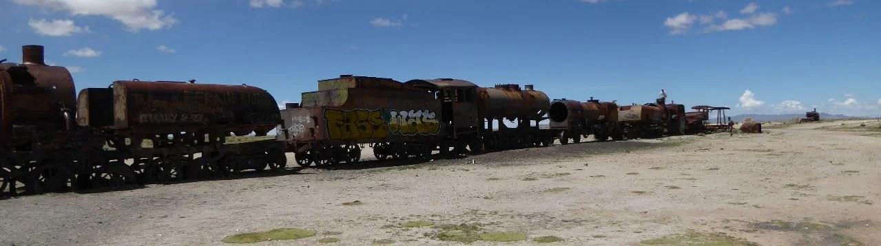 Ausrangierte Züge in der Wüste