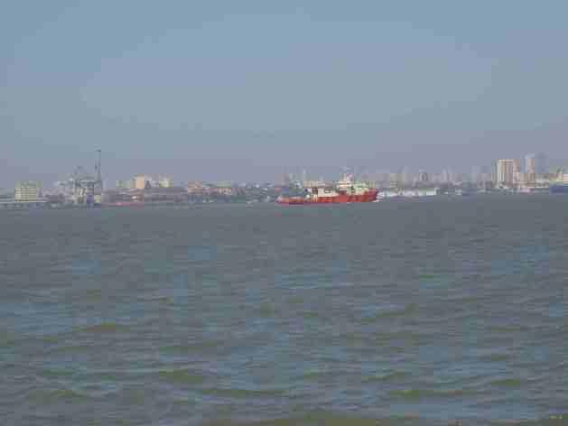 Mumbai vom Meer aus gesehen