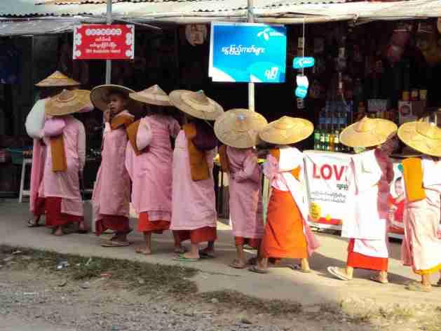 Nonnen in Hsipaw