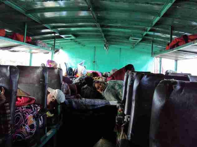 Schlafende Passagiere