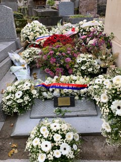 Tombe De Marie Laforet : tombe, marie, laforet, LAFORÊT, Marie, (Maïtena, Douménach, 1939-2019), Cimetières, France, D'ailleurs