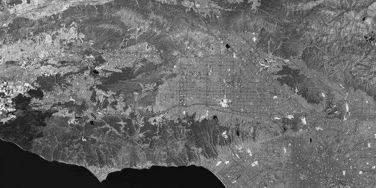 Pandangan inframerah dekat Los Angeles dari Landsat 8