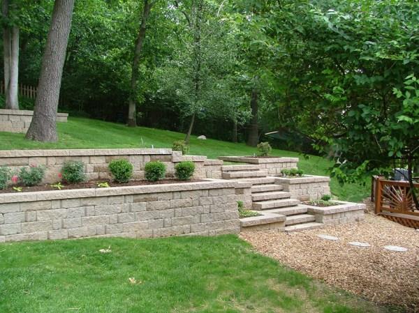 retaining wall landscape hardscape