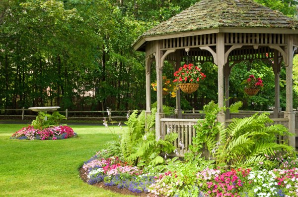 residential landscaping professional